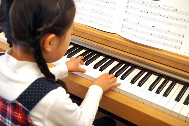 ピアノレッスン子供